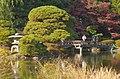 Kami-no-ike(upper pond), Shinjuku Gyoen(Shinjuku Imperial Garden) - 上の池, 新宿御苑 - panoramio (2).jpg