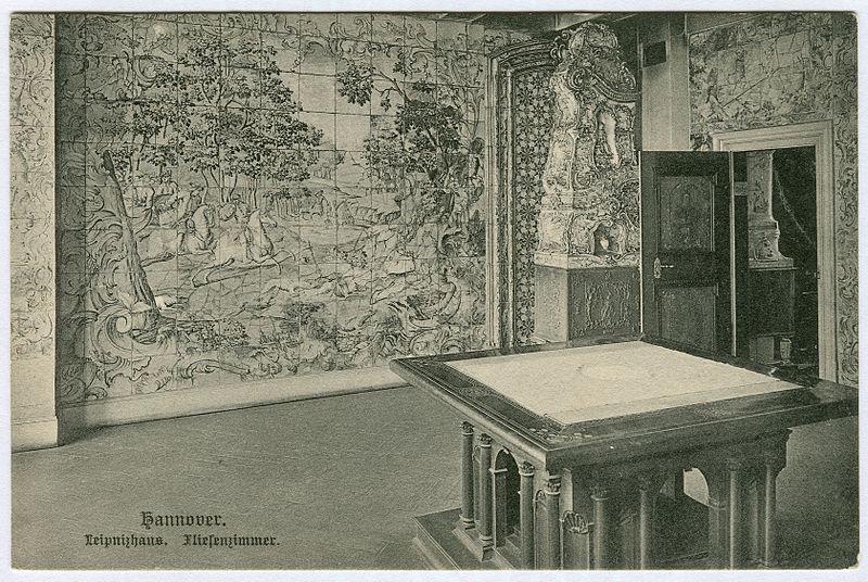 File:Karl F. Wunder PC 1082 Hannover. Leibnizhaus. Fliesenzimmer.jpg