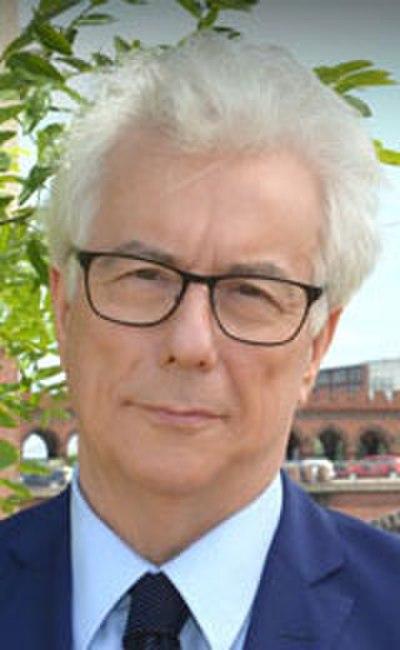 Picture of an author: Ken Follett