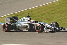 Photo de la McLaren MP4-29 grise de Magnussen
