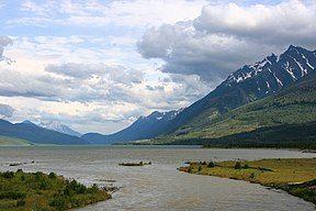 Kinbasket Lake, Columbia River, British Columbia.jpg