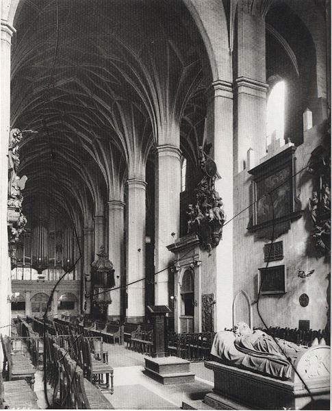 485px-Kirche_St_Pauli_innen_Leipzig_um_1900.jpg