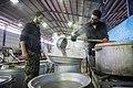 Kitchens in Iran-Mehran City آشپزخانه مرکزی شهر مهران در ایام اربعین، عکاس، مصطفی معراجی 22.jpg