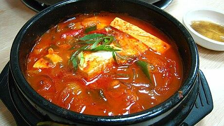 460px-Korean_stew-Kimchi_jjigae-01.jpg
