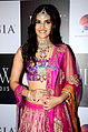 Kriti Sanon walks for Sunil Jewellers at IIJW 2015 (3).jpg