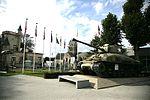L'Airborne Museum se situe en face de l'église de Sainte-Mère-Eglise.JPG