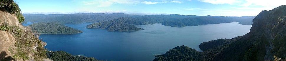 View of Lake Waikaremoana from Panekiri Bluff