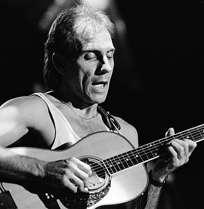 Picture of a band or musician: Larry Carlton