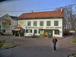 Lechovice, restaurace.jpg