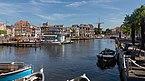 Leiden, zicht vanaf Blauwpoortsbrug naar Beestenmarkt, Rederij Rembrandt en Molen de Valk RM25655 foto7 2017-06-11 10.18.jpg
