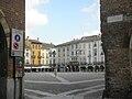 Lodi piazza Vittoria ingresso sud-ovest.JPG