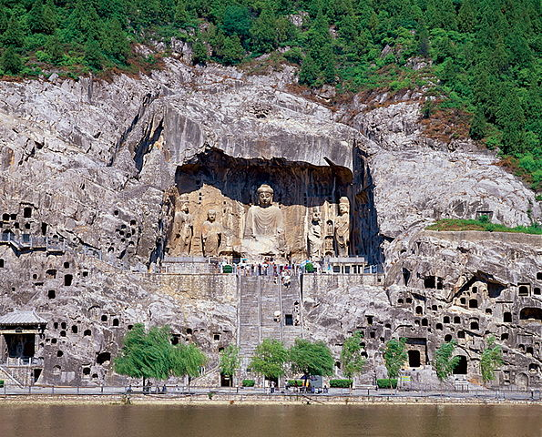 view of the Longmen Grottoes