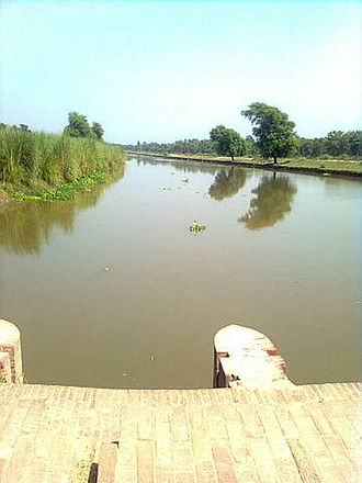 Doab - View of a canal in the lower Bari Doab of the Punjab Doabs