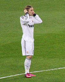 Luka Modrić against Sevilla.jpg