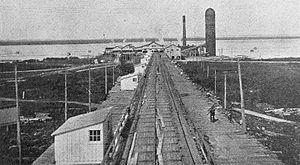 Arnprior - Lumber conveyor in Arnprior, 1921
