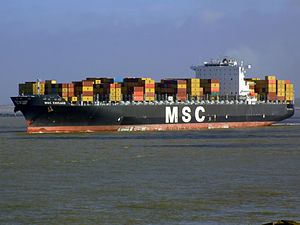 MSC Chicago p3, leaving Port of Rotterdam, Holland 08-Mar-2007.jpg