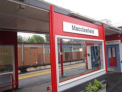 Macclesfield railway station (1).JPG