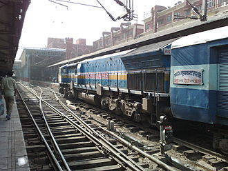 Mandore Express - Mandore Express with its WDP 4 engine
