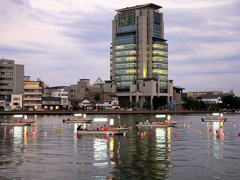 800px-Matsue_Lake.jpg