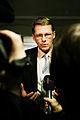Matti Vanhanen, Finlands statsminister, blir intervjuad av media efter nordiskat statsministermote i Reykjavik 2005.jpg