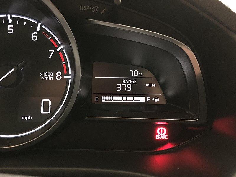 File:Mazda 3 Fuel Gauge.jpg
