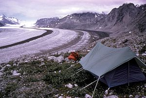 English: McBride Glacier Camping. A tent and b...