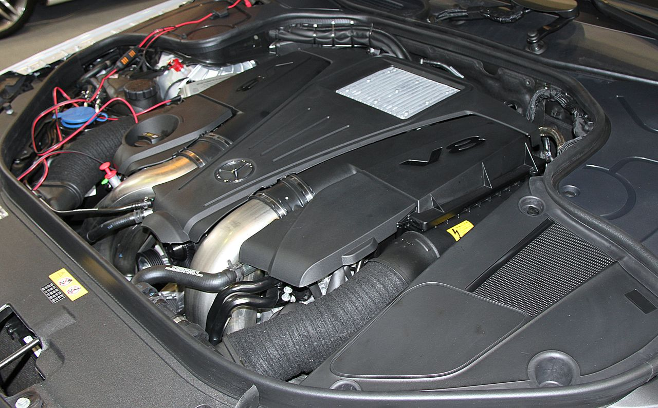 maybach engine diagram file mercedes benz s550 long v222    engine    room jpg  file mercedes benz s550 long v222    engine    room jpg
