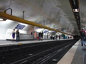Châtelet (Paris Métro) - Image: Metro de Paris Ligne 1 station Chatelet 02