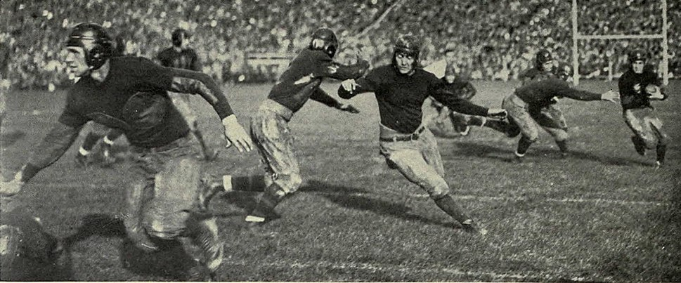 Michigan running play against Navy (1925)