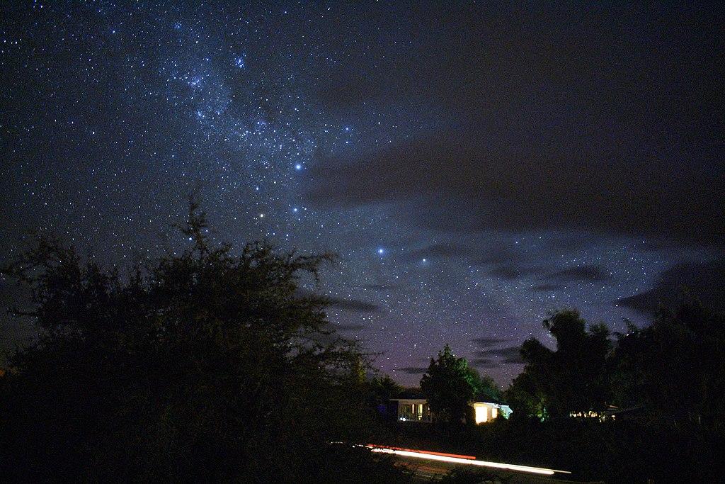 File:Milky way galaxy, lake Tekapo, stargazing view 3.jpg ...