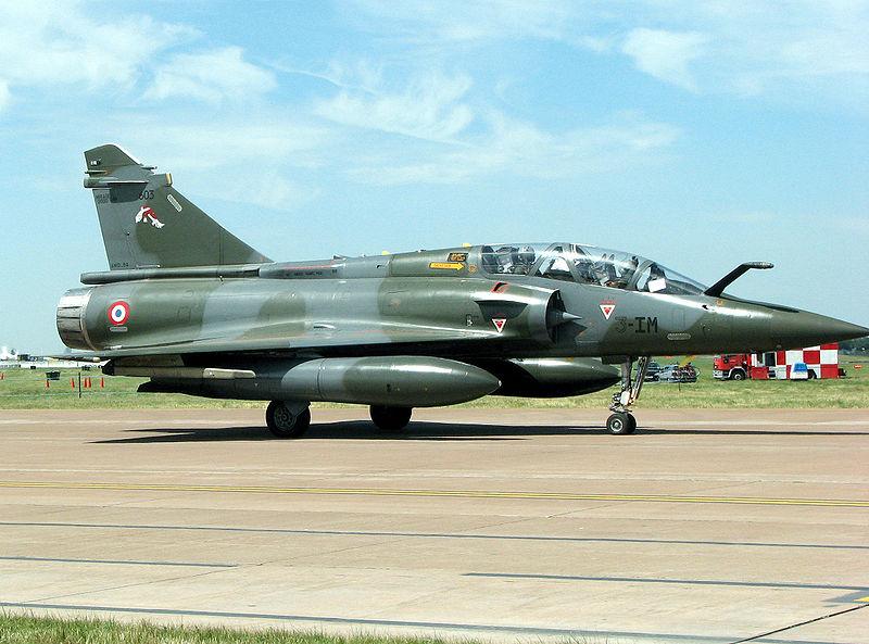 المقاتله الفرنسيه Dassault Mirage 2000  800px-Mirage.2000d.3-im.arp