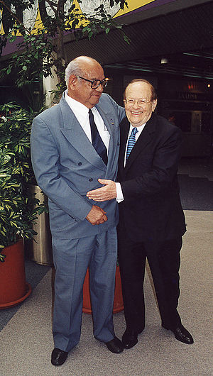 George Rosenkranz - George Rosenkranz (right) and Luis E. Miramontes (left), 2001 at UNAM, in Mexico City