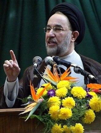 Mohammad Khatami - Image: Mohammad Khatami August 23, 2002 (cropped)