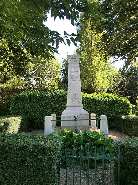 Monument aux morts de Saint-Marcel (Ain).