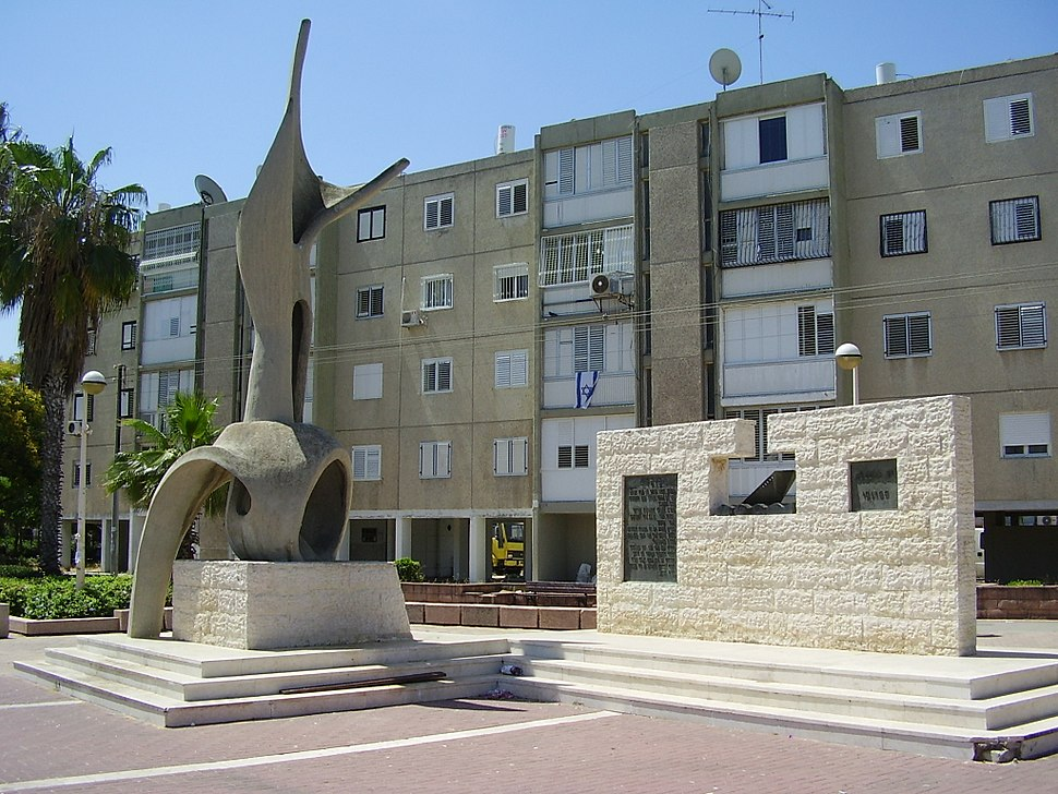 "Monument of the immigrants ship ""egoz"" in Ashdod"
