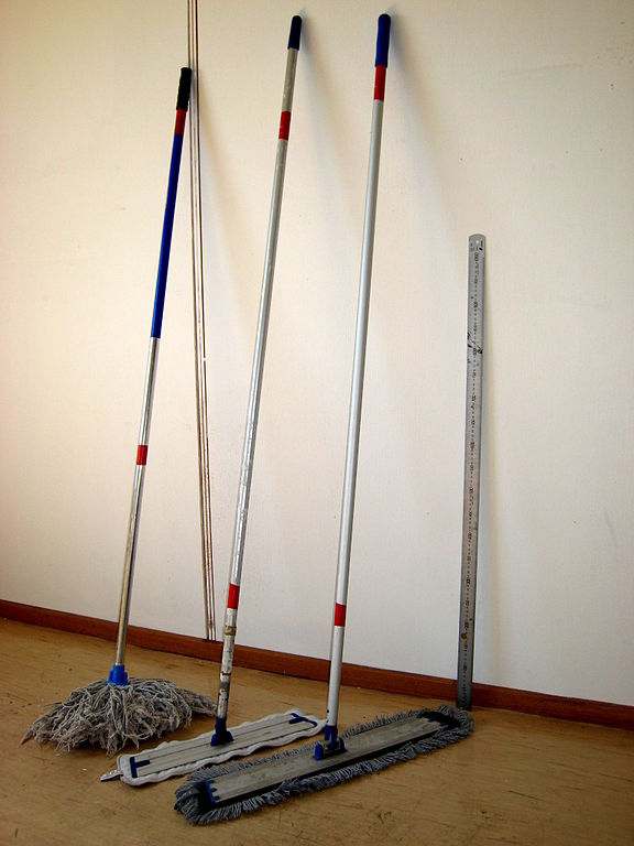 File Mop Three Different Mop Handles Jpg Wikipedia