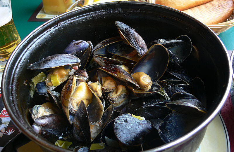 File:Moules as served in France.jpg