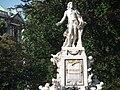 Mozartdenkmal - panoramio.jpg