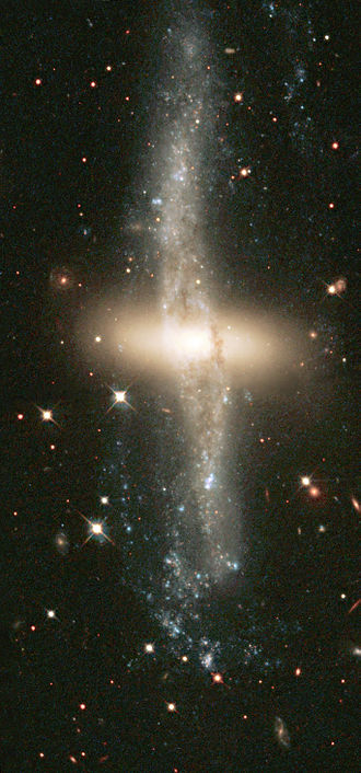 Polar-ring galaxy - Image: NGC 4650A I HST2002