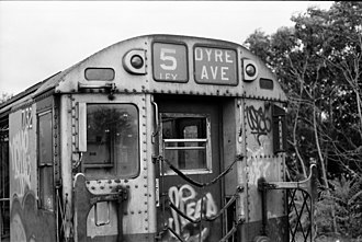 R21 (New York City Subway car) - Image: NYCS R21 route sign