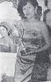 Nana Mayo with Dunia Film Award, Dunia Film 15 Sep 1954 p15.jpg