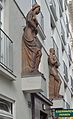 Neulinggasse 48, sculptures by W. Frass (01).jpg