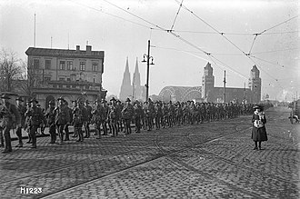 New Zealand Division - Soldiers of the New Zealand Division marching over the Hohenzollern Bridge, Cologne, Germany