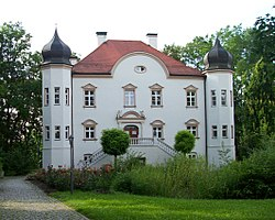 Niederpöring Castle, seat of the town hall of Oberpöring