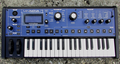 Novation MiniNova Up (M).png