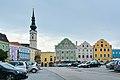 Obernberg aI Marktplatz mit Kirche.jpg