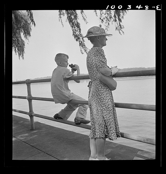 File:Old and young watching sailboats at Haines Point 8c34886v.jpg