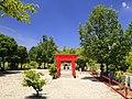 One Inari-Sha shrine keidai 01, Sakae-cho Toyoake 2018.jpg