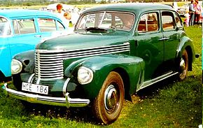 Opel Kapitan De Luxe 4-Door Sedan 1939.jpg