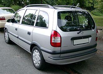 Opel Zafira - Image: Opel Zafira rear 20080811